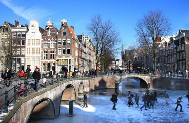 Group_Accommododation_Amsterdam__Canals